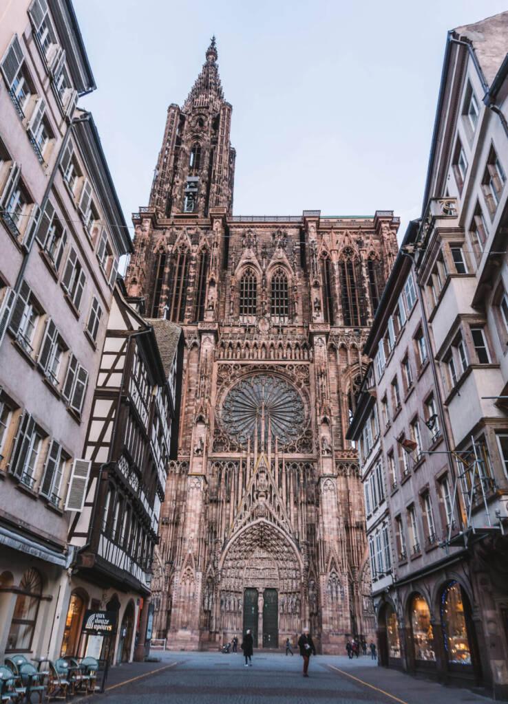 Von der Rue Mercière hat man einen schönen Ausblick auf das Liebfrauenmünster, eine beliebte Sehenswürdigkeit.